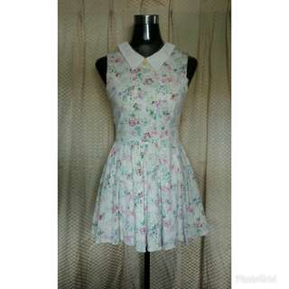 Sleeveless With Flower Design and Collar Dress
