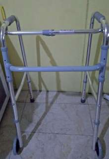 Foldable and adjustable walker with front wheels, lightweight