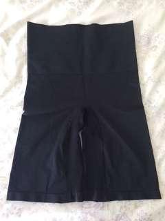 Ladies size 12/14 shape wear