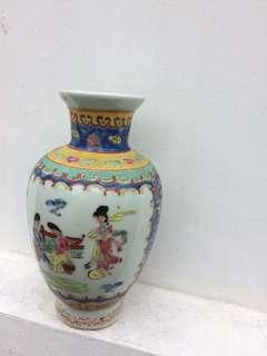 Porcelain  vintage Vase⚱️