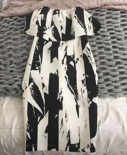 Sheike dress size 8 black & white