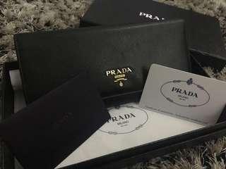 Prada Wallet ( guarantee not fake)