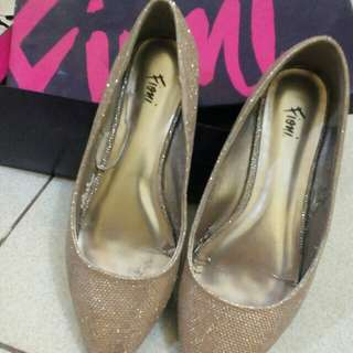 Gold Flats/Doll Shoes