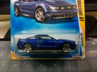 2009 Hotwheels 2010 Ford Mustang