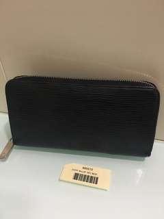 Authentic Louis Vuitton Zippy Wallet Epi Noir