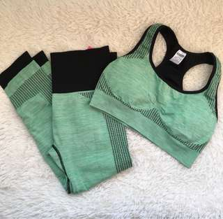 Workout Set Sports Bra and Leggings