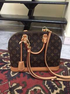 AUTHENTIC USED Louis Vuitton Alma MM with Strap