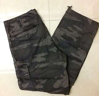 🌺Uniqlo camouflage pants for men