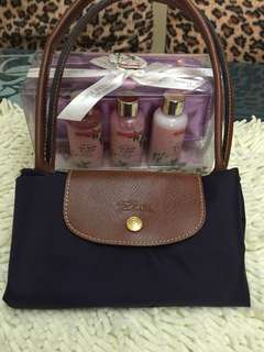 Longchamp Bag w/ FREE BATH COLLECTION‼️