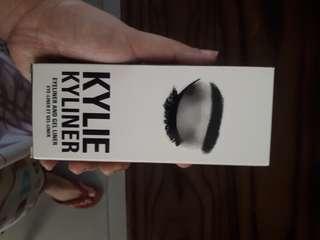 Kylie eye liner
