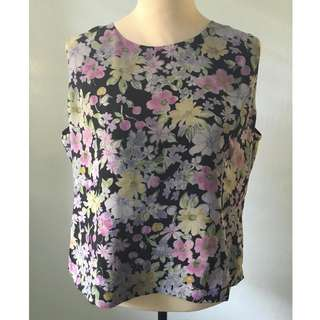 Preloved Floral Sleeveless Blouse
