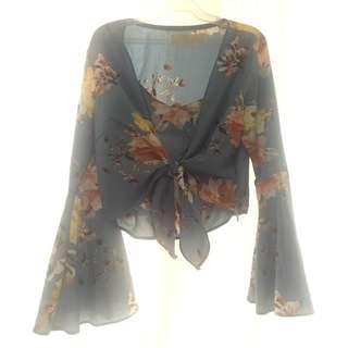 Blue floral bell sleeves top