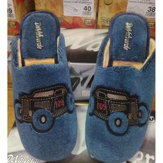 Men's, Winter slippers new with tags, scuffs