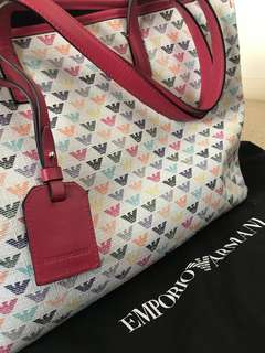 Emporio Armani bag in mint condition 9/10