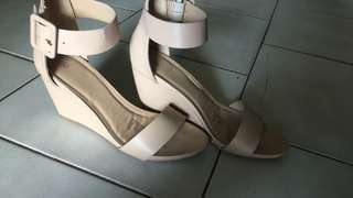 Size 9 wedges.