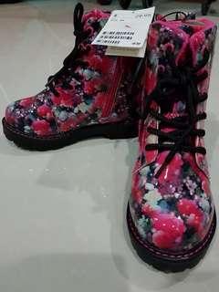 H&M Kids Boots (EUR 29)