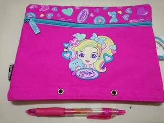 Smiggle A5 squad pencil case hot pink rm39 NEW