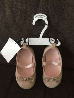 Baby shoes (H&M)