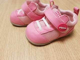 貝親學步鞋~