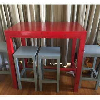 High table in wood  with 4 stools
