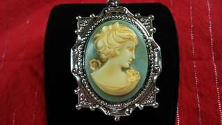 Cameo authentic vintage