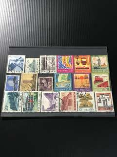China Stamp- 18 Used Stamps