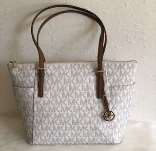 ‼️FROM THE SALE EVENT‼️ MICHAEL KORS TOTE BAG - ETA MAY 5