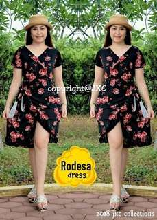 Rodesa dress 💰420  Crepe fabric 🆓size fits up to semi large *c.a
