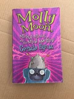 Molley Moon