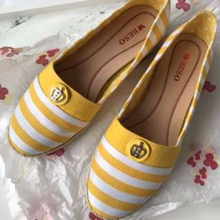 Beso Yellow Flats