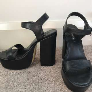 "WINDSOR SMITH black ""Vicker"" platform block heels, size 7"