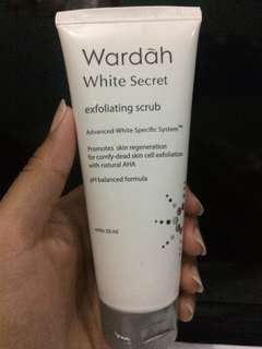 WARDAH WHITE SECRET EXFOLIATING SCRUB