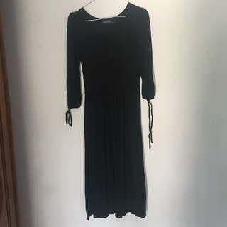 Black long dress fit to Lbesar