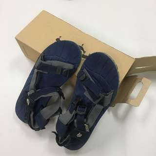 Tribù sandal