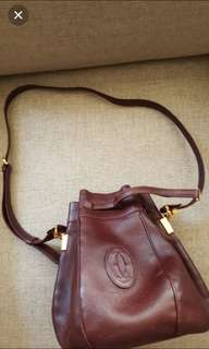 Cartier酒紅側背包