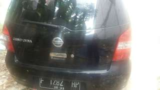 Over kredit Nissan Grand Livina