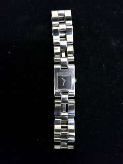 Authentic Gucci watch 2305L sapphire glass