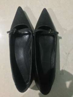 Sale! Pre-loved authentic J. Crew pointed black shoes