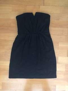 🚚 Oasis 黑色露肩打摺設計洋裝