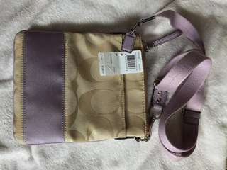 Sale! Pre-loved authentic Coach small sling bag
