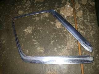 Lining krom bumper w124