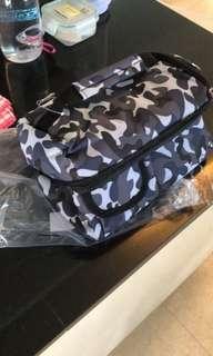 V cool camou cooler bag