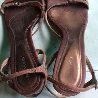 sandal secound