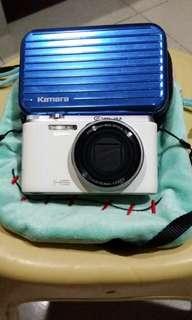 🚚 二手相機ZR1000