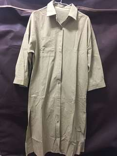 開衩長板襯衫