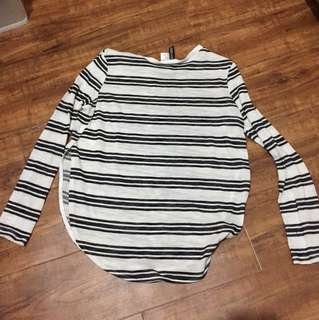 BLACK AND WHITE LONGSLEEVE