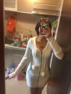 連帽和聲白色上衣可當外套可當裙子