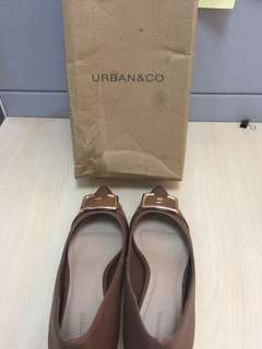 Sepatu Coklat Urban & Co