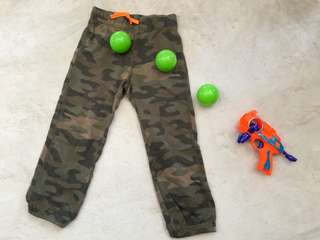 Carter's Camouflage Pants for boys (size 5t)