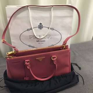 Authentic Prada Saffiano Lux Large